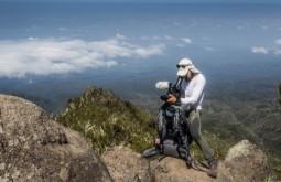 KILI - Gabriel Tarso filmando a 3200m entre Machame e Shira - Foto Gabriel Tarso