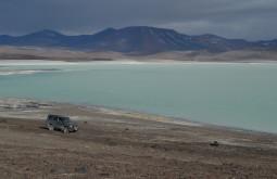 O valente Conway na beira da laguna Brava, uma das mais remotas