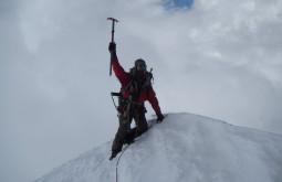 Pedro no cume do Chachacomani com 6078m
