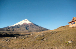 1200px-Cotopaxi_Volcano