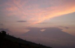 Acatenango e Vulcão del Fuego