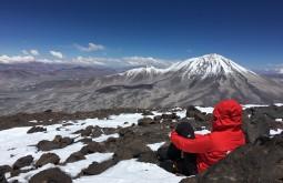 Curtindo a vista do cume do Vicuñas
