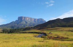 Vista do monte Kukenan