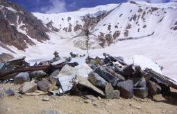 Memorial no local do acidente