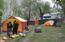 Acampamento em Askoli